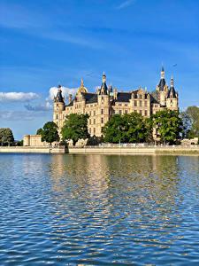Обои для рабочего стола Германия Замки Озеро Castle Schwerin город