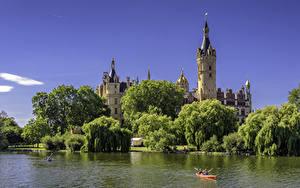 Фото Германия Замок Речка Дерева Schwerin Castle