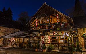 Фото Германия Новый год Здания Елка Дизайн Уличные фонари Ночные Burg Satzvey Mechernich