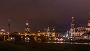 Картинка Германия Дрезден Дома Реки Мосты Ночь Города