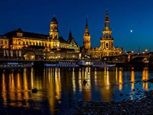 Обои Германия Дрезден Дома Реки Мосты Речные суда Ночь город