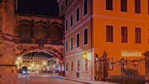 Обои Германия Дрезден Дома Улице Уличные фонари Забора Ночные город