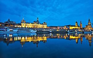 Картинка Германия Дрезден Река Речные суда Вечер Elbe River город