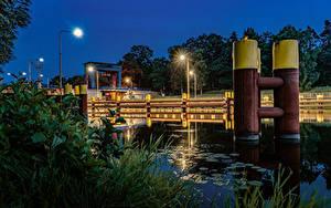 Фотография Германия Вечер Водный канал Трава Уличные фонари Kersdorfer Schleuse Природа