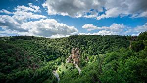 Обои Германия Лес Замки Небо Облака Скалы Castle Eltz, Rheinland-Pfalz Природа