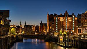 Фотографии Германия Гамбург Дома Реки Пирсы Ночью Лучи света город