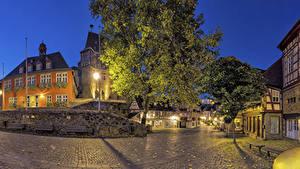 Обои Германия Здания Вечер Улица Деревья Уличные фонари Idstein Hesse Города