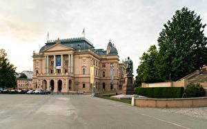 Обои Германия Здания Памятники Уличные фонари Mecklenburg State Theatre город