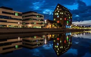 Картинки Германия Здания Речка Ночью Уличные фонари Kleve город