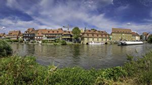 Фото Германия Здания Речка Пирсы Речные суда Bamberg город