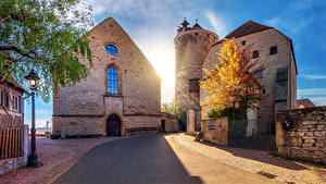 Фотография Германия Здания Дороги Уличные фонари Башни Besigheim Города