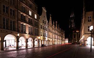 Картинки Германия Дома Дороги Улица Ночью Уличные фонари Велосипеде Muenster город