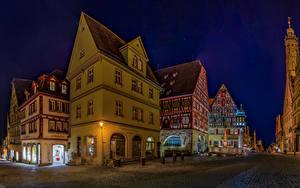 Картинка Германия Здания Дороги Улица Ночные Rothenburg ob der Tauber Города