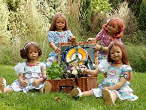 Фотография Германия Парк Куклы Девочка Корзина Трава Grugapark Essen
