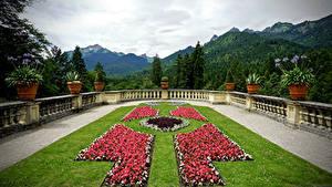 Картинка Германия Парки Горы Бавария Ограда Газон Linderhof Природа