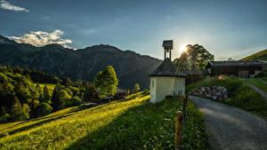Картинка Германия Дороги Гора Дома Трава Деревьев Лучи света Allgäu Природа