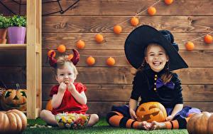 Фотография Хэллоуин Тыква Девочки 2 Улыбка Униформе Шляпы ребёнок