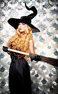 Картинки Хэллоуин Ведьма Блондинка Шляпе молодые женщины