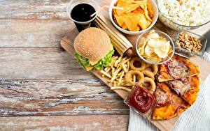 Фотографии Гамбургер Быстрое питание Пицца Чипсы Кетчуп Пища