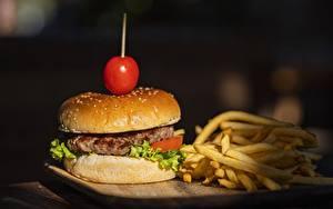 Обои Гамбургер Картофель фри Булочки Котлета Пища