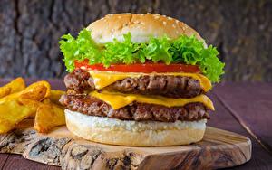 Фотографии Гамбургер Мясные продукты Разделочная доска