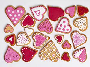 Фото Праздники Печенье День всех влюблённых Белый фон Сердце Дизайн Еда