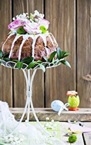 Картинки Праздники Пасха Выпечка Кулич Розы Доски Яйца Дизайн Пища