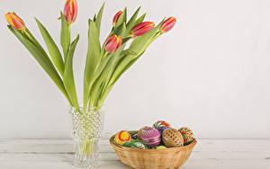Фотографии Праздники Пасха Тюльпаны Яиц Ваза Цветы
