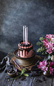 Обои для рабочего стола Праздники Натюрморт Торты Шоколад Свечи Дизайна Пища