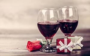 Обои Праздники Вино Розы Бокалы 2 Подарки Пища Цветы
