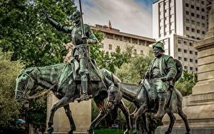 Картинки Лошади Мужчина Испания Мадрид Памятники Don Quixote, Sancho Panza