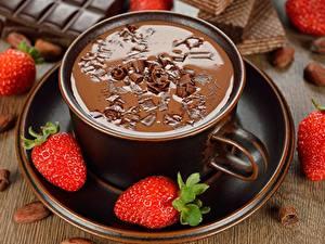 Картинка Горячий шоколад Клубника Чашка Блюдце Пища