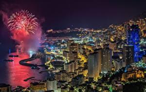 Картинки Здания Фейерверк Монако Ночные Залива Сверху город