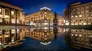 Картинки Дома Германия Городская площадь Отражение Лужа Ночь Stuttgart Города