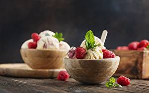 Картинки Мороженое Десерт Сладости Ягоды Малина Миска Мята
