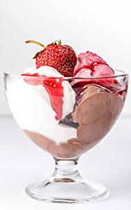 Фотографии Мороженое Клубника Миска Продукты питания