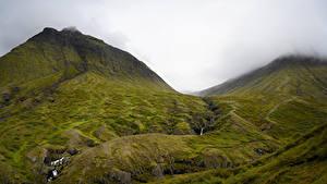 Фото Исландия Гора Камень Водопады Облачно Ручеек Природа