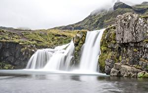 Картинки Исландия Водопады Утес Тумане Waterfall Kirkjufellsfoss