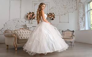 Обои для рабочего стола Платье Невеста Причёска Красивый Igor Kondukov молодые женщины