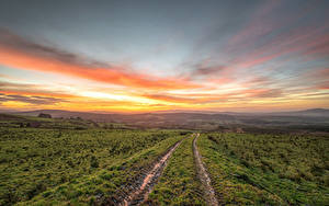 Картинки Ирландия Поля Дороги Рассвет и закат Небо Холм Strabane