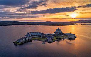 Обои Ирландия Рассветы и закаты Озеро Остров Вечер Церковь Сверху Donegal, Lough Derg, St Patrick's Sanctuary Природа