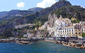 Картинка Италия Амальфи Берег Гора Дома город