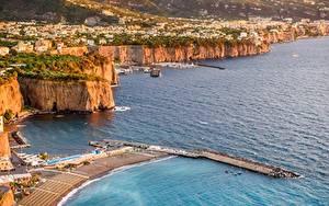Обои Италия Берег Причалы Море Сверху Sorrento, Campania, Naples город