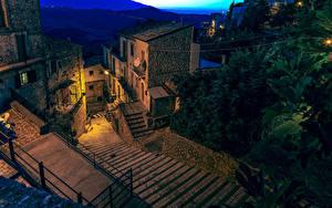Фото Италия Дома Лестница В ночи Bomba Города