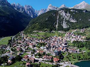 Картинки Италия Дома Горы Сверху Molveno город