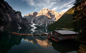 Фотография Италия Горы Лодки Озеро Вечер Отражении Альп Lago Braise Природа