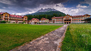 Обои Италия Горы Здания Альп Гостиницы Grand Hotel Toblach Природа