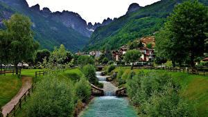 Картинка Италия Горы Дома Альпы Дерева Molveno Природа