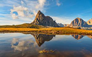 Фотография Италия Гора Озеро Отражении Облако Dolomites, Cortina d'Ampezzo Природа