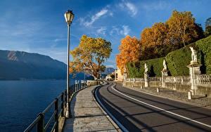 Фото Италия Горы Озеро Альп Набережная Деревьев Уличные фонари Lago di Como Природа